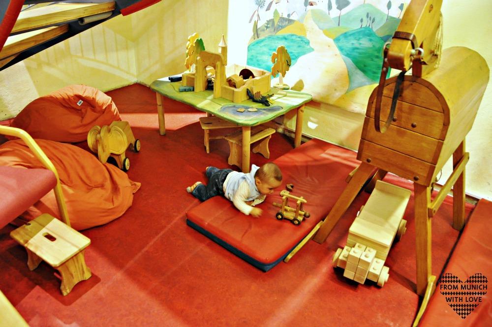 Kunst und Spiel in Schwabing Spielecke unten