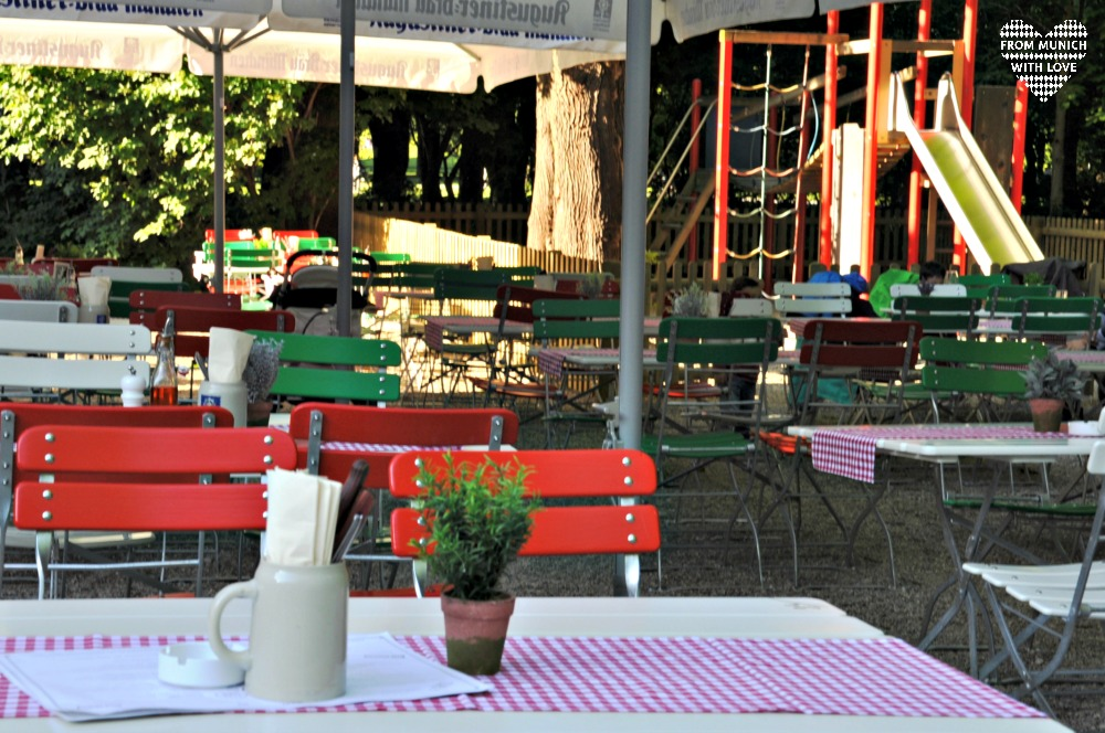 Ciao Fancesco Pizzeria im Luitpoldpark Tisch