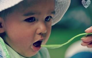 Babys lernen zu essen - Beikost