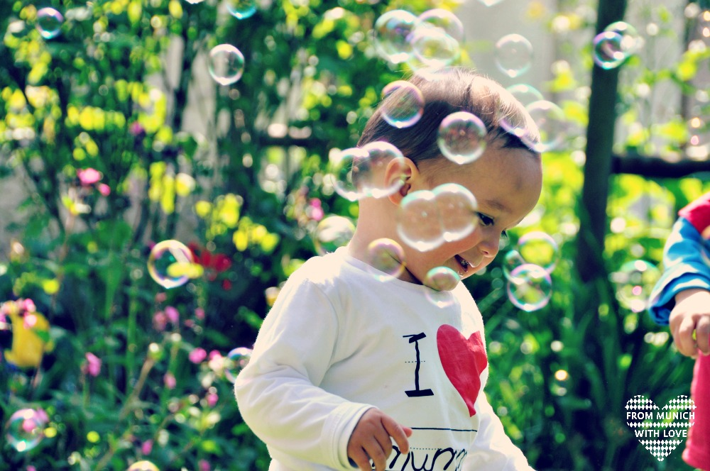 Seifenblasen Kleinkind