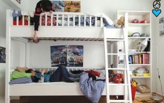 Etagenbett im Kinderzimmer_Brüder